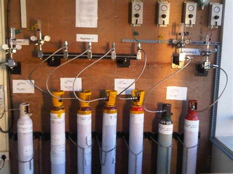 UHP Grade Speciality Gases - Helium Gas Manufacturer from Pune