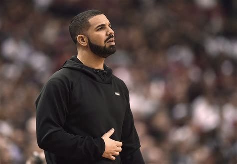 Drake gets into cannabis business with Canopy Growth