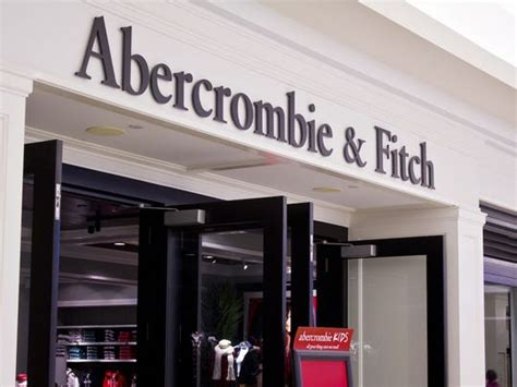 Abercrombie & Fitch focusing on smaller stores, closing 3