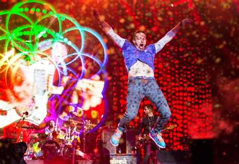 Coldplay's Brilliantly Insane Glasto 2016 Gig Reviewed