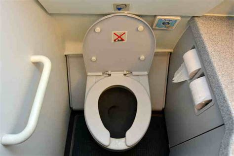 Why Should Men Pee Sitting Down Like a Woman | StethNews