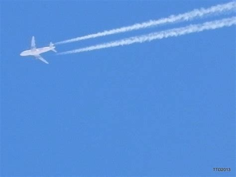 Flight Trackers: Do chemtrail planes actually show up on