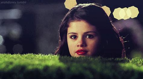 Selena Gomez GIF - Find & Share on GIPHY