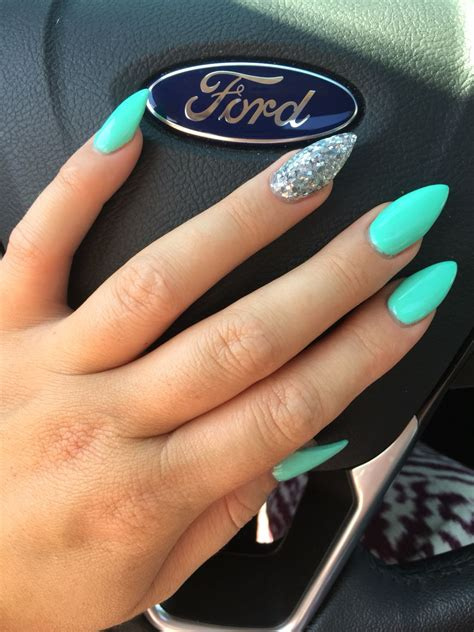 Combination of stiletto and almond nails